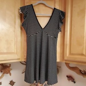 NWT Wild Fable V-Neck Striped Blouse Medium